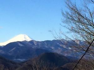 嵐山から見る富士山